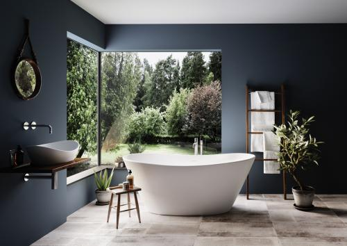 PAA bathtub Amore Silk interior with garden in private house